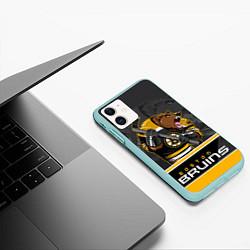 Чехол iPhone 11 матовый Boston Bruins цвета 3D-мятный — фото 2