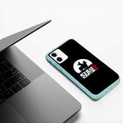 Чехол iPhone 11 матовый RDR 2: Moonlight цвета 3D-мятный — фото 2