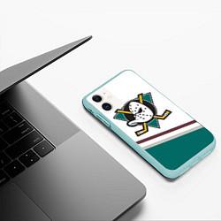 Чехол iPhone 11 матовый Anaheim Ducks Selanne цвета 3D-мятный — фото 2