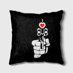 Подушка квадратная Выстрел любви цвета 3D — фото 1