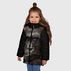 Детская зимняя куртка для девочки с принтом Глаза гориллы, цвет: 3D-черный, артикул: 10105697906065 — фото 2