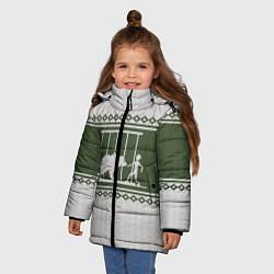 Куртка зимняя для девочки Медведь: Зимний узор цвета 3D-черный — фото 2