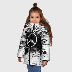 Куртка зимняя для девочки Mercedes-Benz: Black Spray цвета 3D-черный — фото 2
