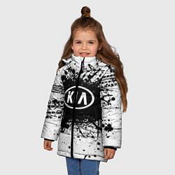 Детская зимняя куртка для девочки с принтом KIA: Black Spray, цвет: 3D-черный, артикул: 10147678906065 — фото 2