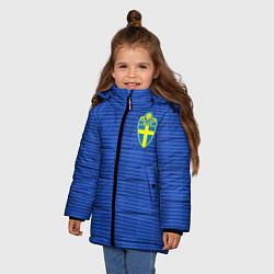 Детская зимняя куртка для девочки с принтом Сборная Швеции: Гостевая ЧМ-2018, цвет: 3D-черный, артикул: 10151652906065 — фото 2