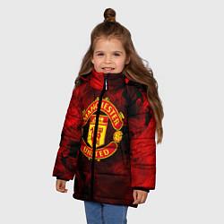 Куртка зимняя для девочки МАНЧЕСТЕР ЮНАЙТЕД цвета 3D-черный — фото 2