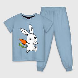 Пижама хлопковая детская Зайка с морковкой цвета мягкое небо — фото 1