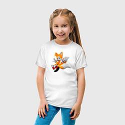 Футболка хлопковая детская Лисенок Тейлз цвета белый — фото 2