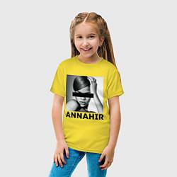 Футболка хлопковая детская Rihanna цвета желтый — фото 2
