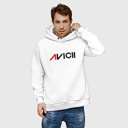 Толстовка оверсайз мужская Avicii цвета белый — фото 2