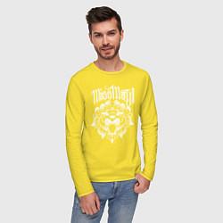 Лонгслив хлопковый мужской Miss May I: Angry Lion цвета желтый — фото 2