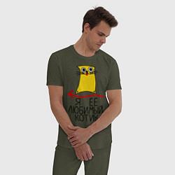 Пижама хлопковая мужская Её любимый котик цвета меланж-хаки — фото 2