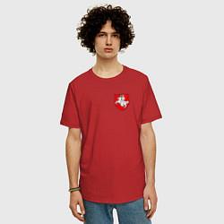 Футболка оверсайз мужская Погоня: герб цвета красный — фото 2