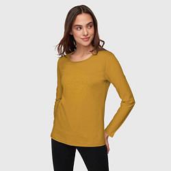 Лонгслив хлопковый женский Золотой цветок цвета горчичный — фото 2