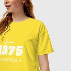 Футболка оверсайз женская Limited Edition 1975 цвета желтый — фото 2