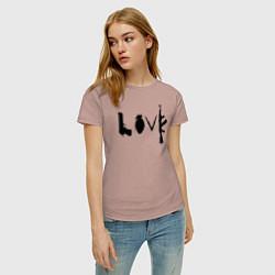 Футболка хлопковая женская Banksy LOVE цвета пыльно-розовый — фото 2